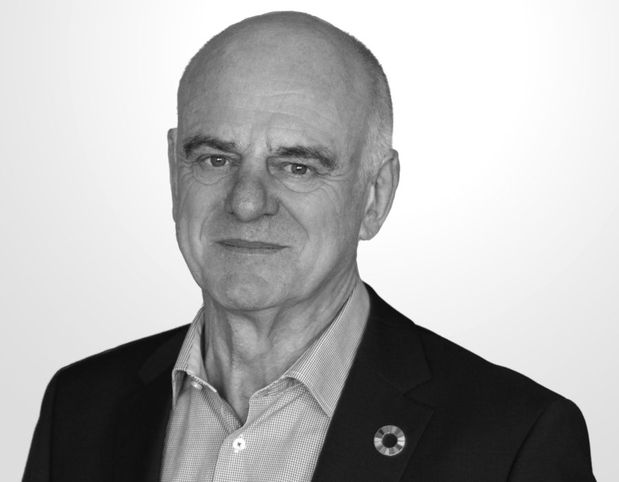 Headshot of David Nabarro, speaker at EAT Stockholm Food Forum 2020